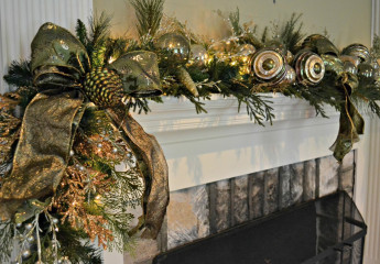 Residential Holiday Mantle